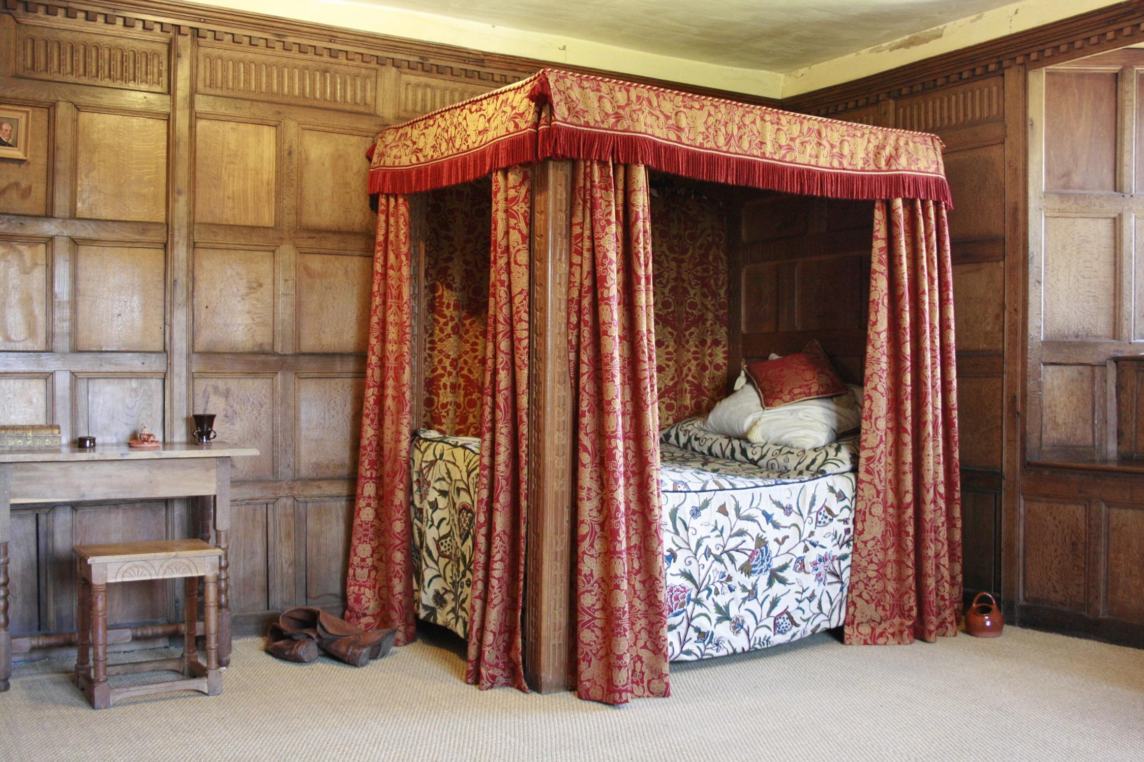 Bedchamber at Llancaiach Fawr - 'Walsingham'