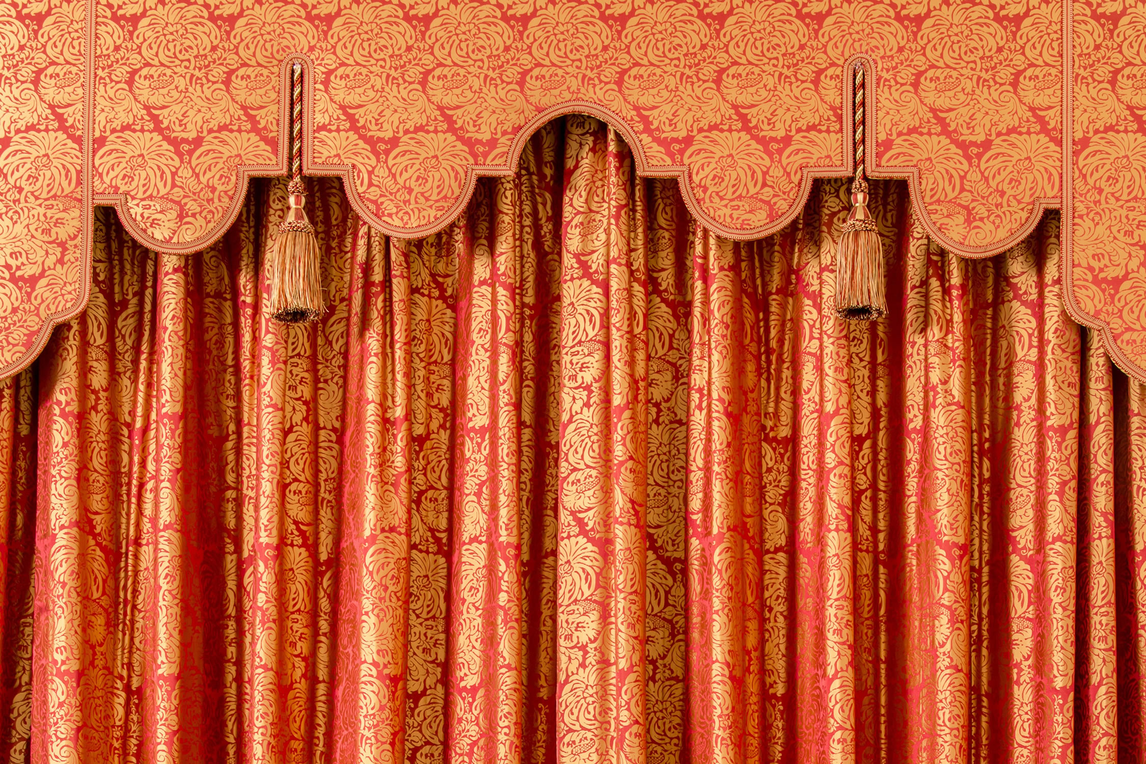 Curtains and pelmets for a Georgian Manor in West Sussex- 'Lucca'