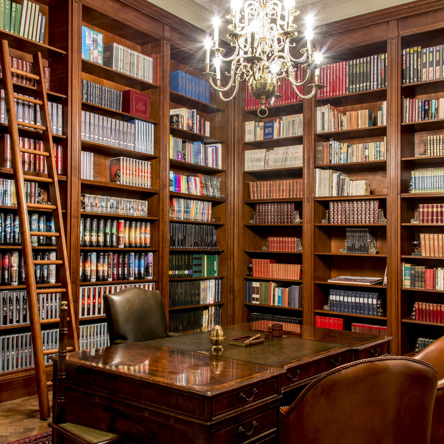 Bespoke oak library in the classical style