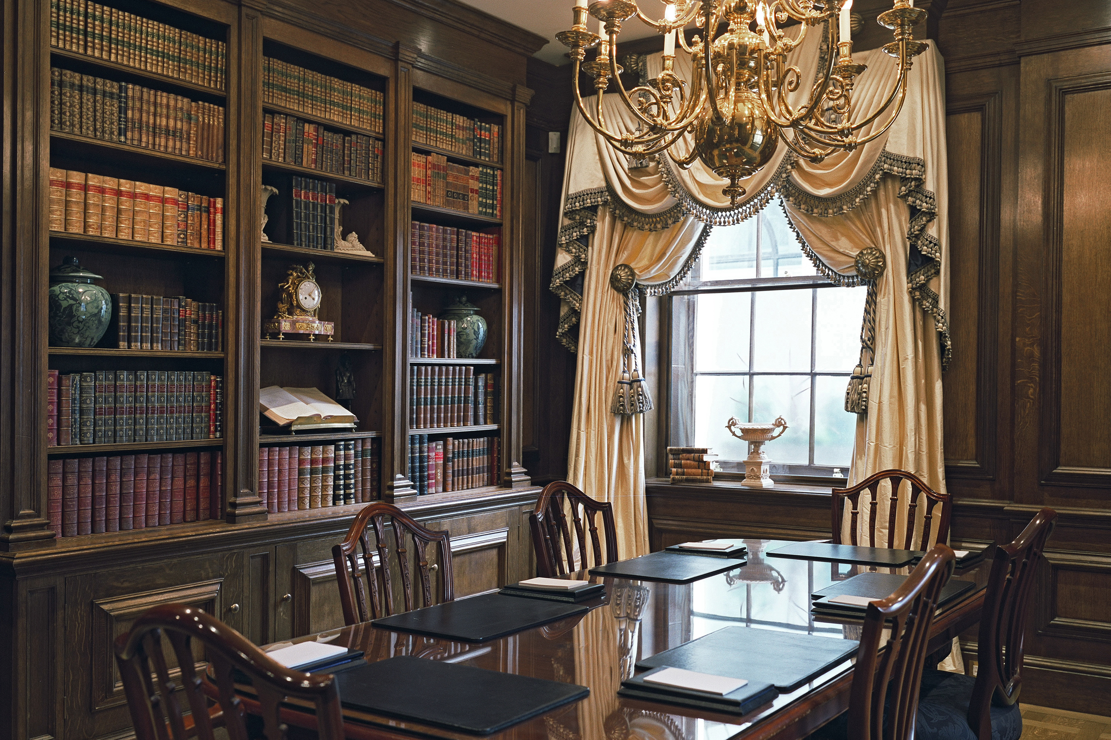 Georgian Style Oak Library in Central London