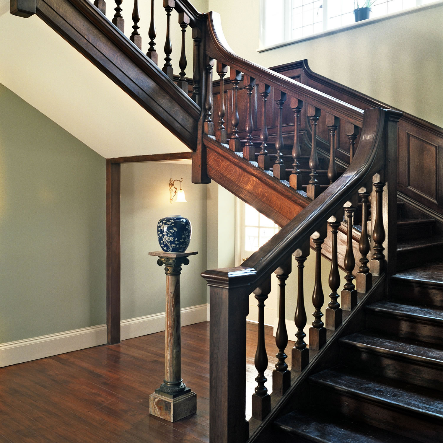 Solid oak staircase for an Arts & Crafts Manor in Somerset