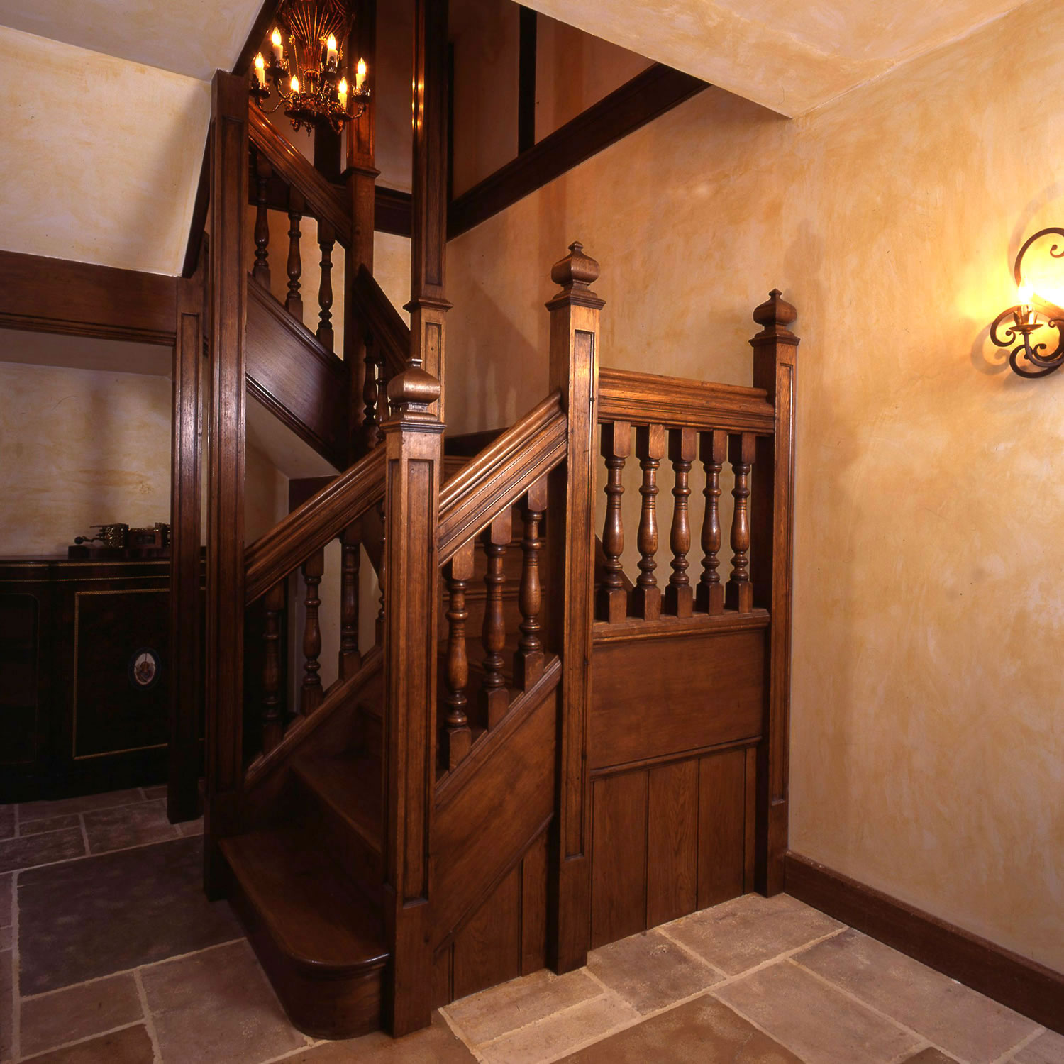 Solid oak staircase for a private residence in Connecticut, USA
