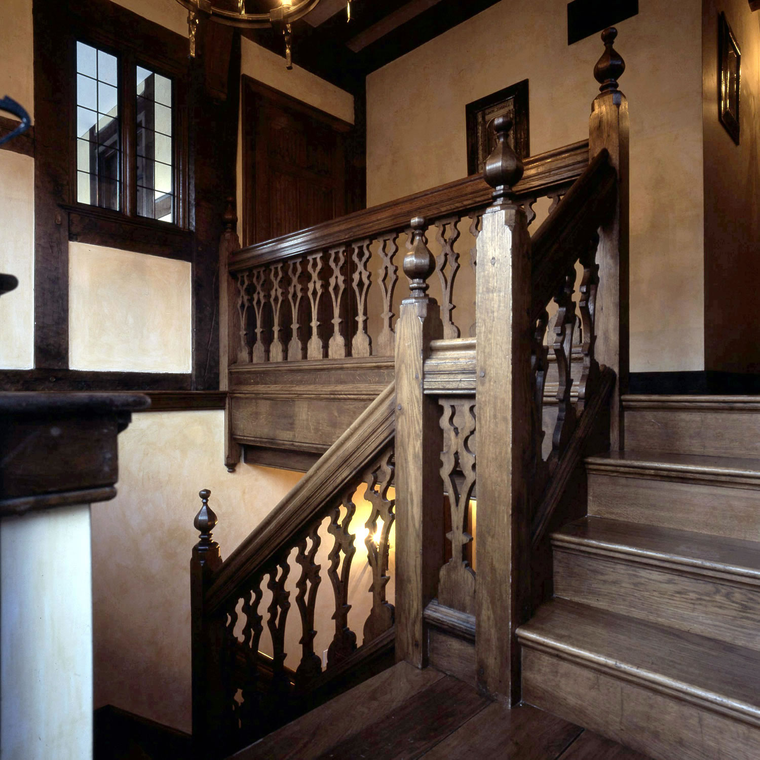 C17th style oak staircase, with pierced splat balusters